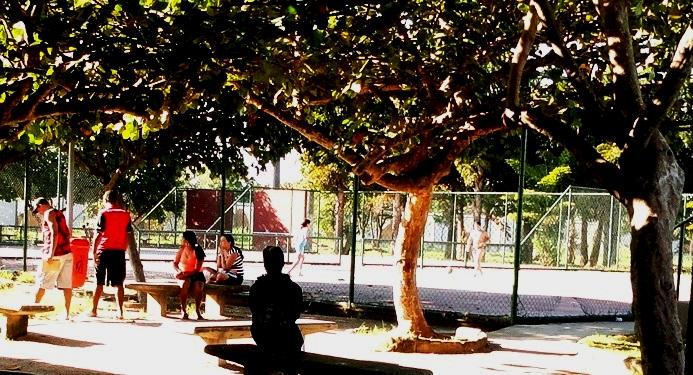 C:\Users\Jose Fantini\Pictures\A Mare\01 AS fotos palestra\Fotos editadas e suas originais 17 09 2010 mais\pERTO DA CANTINA livreto.jpg